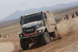 El camión de los argentinos está detrás del ruso por apenas un segundo.
