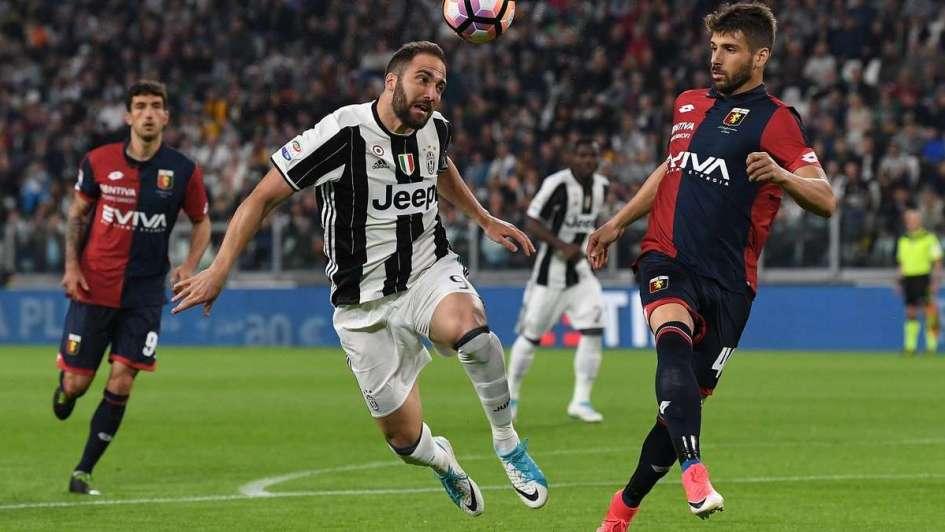 Juve supera a Genoa y está a 1 punto del líder Napoli