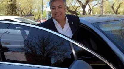 Cornejo retomará su agenda tras haber regresado de España.