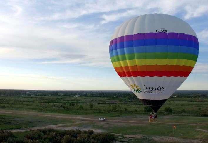 Junín: viajes en globo para atraer al turismo
