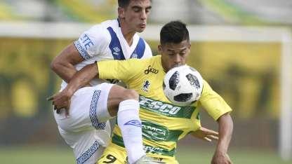 Vélez saca un buen resultado de Florencio Varela.