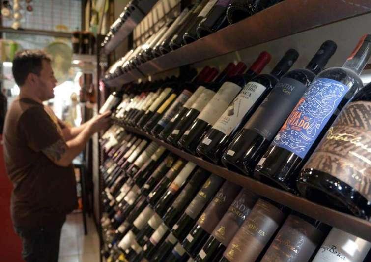 Las ventas de vino caen y el contexto no alienta esperanzas