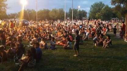 Unos 500 chicos disfrutaron del cine al aire libre en Guaymallén