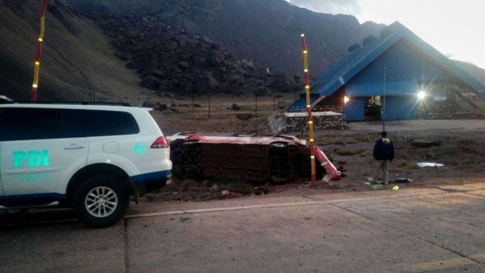 Trágico accidente en Alta Montaña entre 2 colectivos: hay 3 niños muertos