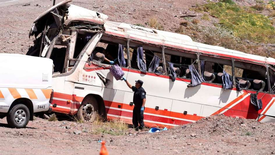 Conductor de bus accidentado en Mendoza fue imputado por homicidio simple