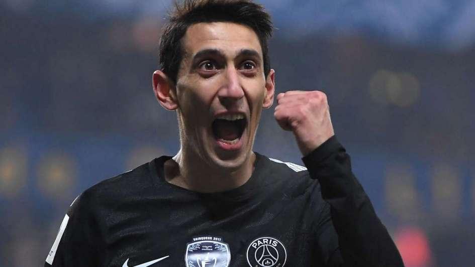 Dani Alves fue portero con PSG 'like Jorge Campos gweyyy'