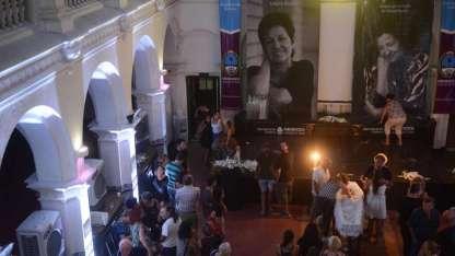 Mendocinos despiden a Liliana Bodoc en la Secretaría de Cultura.