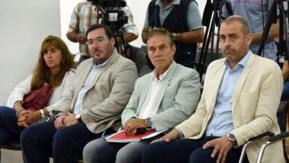 El equipo de Correas: la nueva jefa de Gabinete Orelogio, Sciola y Capone. Completa el abogado Francisco Fernández.