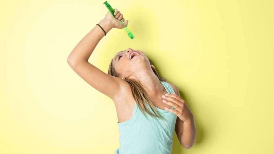 Cuatro minutos al día pueden definir la salud de tu boca y la de tus hijos