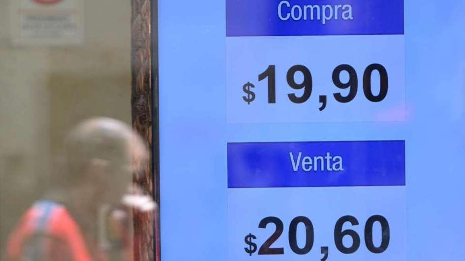 "Valor récord del dólar, pero descartan ""crisis cambiaria"""