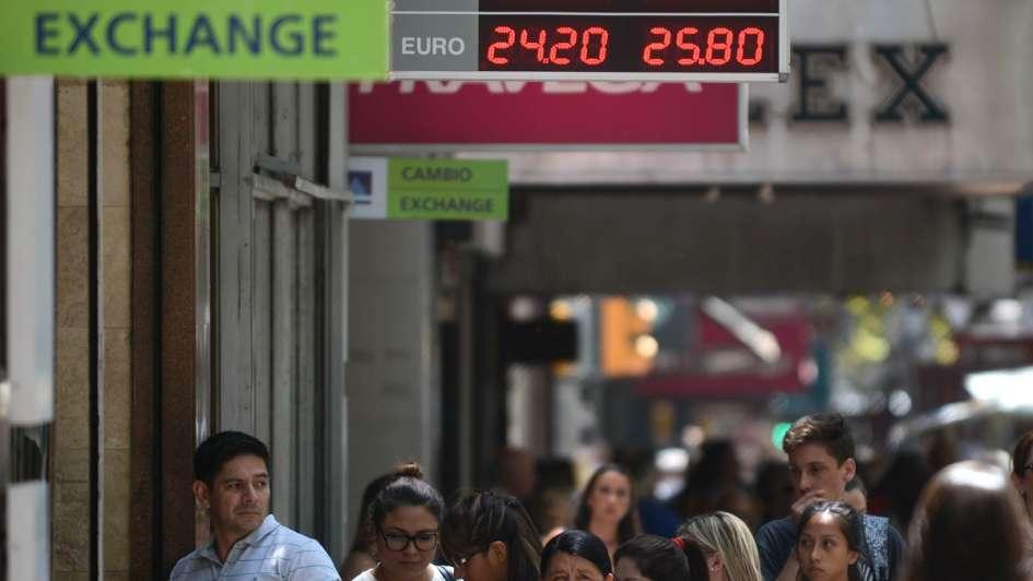 Frigerio, tras el récord del dólar: