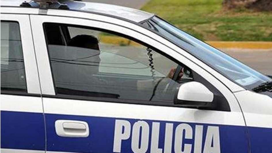 Una policía mató a un ladrón que intentó robarle
