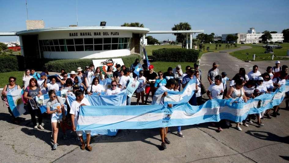 Familiares de la tripulación del ARA San Juan entregaran una carta a Macri en Chapadmalal