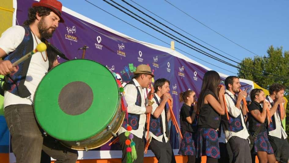 Fotogalería: todo el ritmo y el color del carnaval en Mendoza