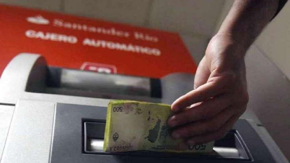 Cajeros automáticos: en Mendoza no faltan billetes pero aún no cargan los de $ 1.000