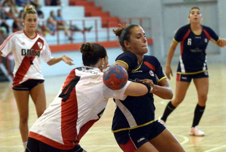 River dejó sin final a Regatas en el Handball
