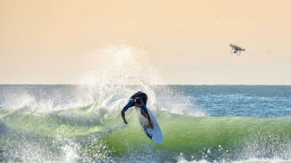 Vuelve en Australia el mejor surfista argentino