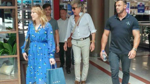 Un super rockstar, de shopping por Buenos Aires