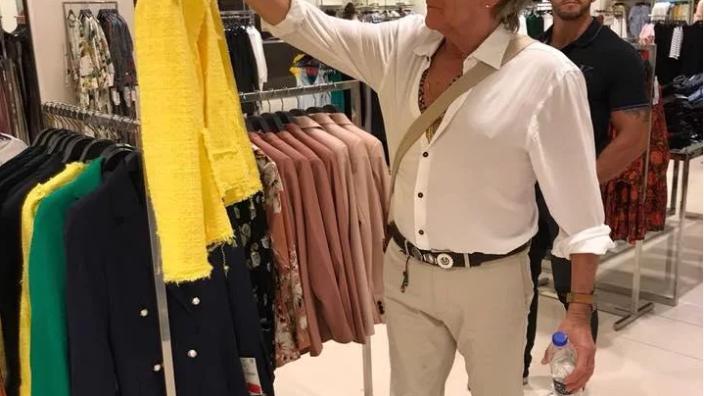 Rod Stewart salió de shopping en Buenos Aires