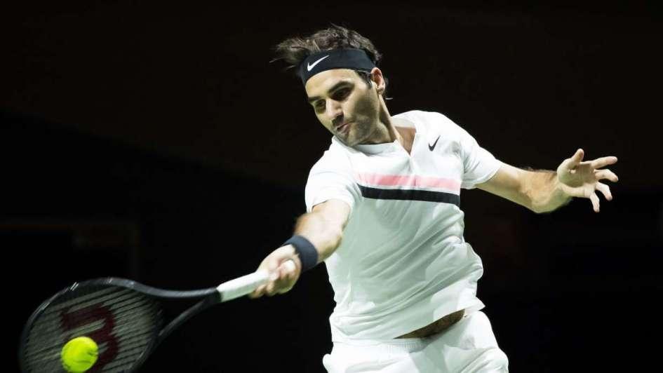 Federer a dos triunfos de volver a ser número 1