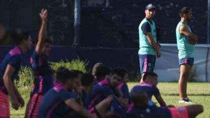 De Muner busca en el banco las variantes para revertir este momento de Independiente.