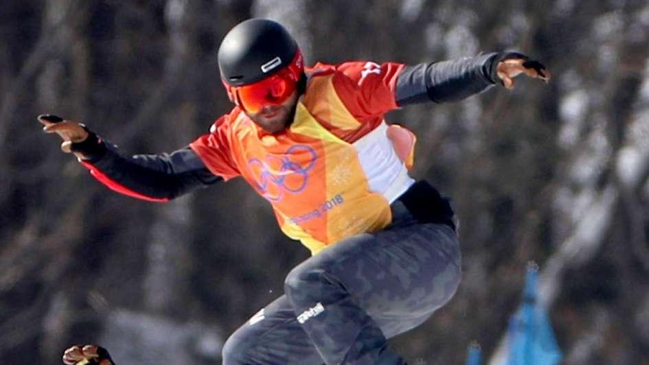 Austriaco Schairer sufre fractura en el cuello en el snowboarding