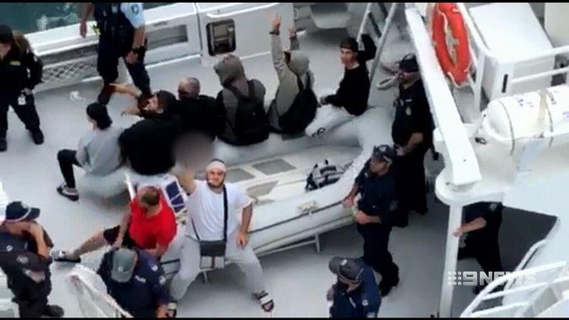 Crucero expulsa a familia italiana por agresivos