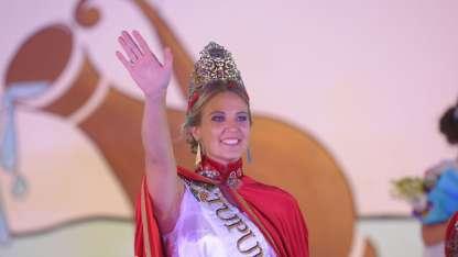 María José cuando fue coronada es la nueva Reina de Tupungato.