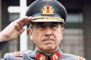 General Augusto Pinochet encabezó la dictadura militar de Chile que se desarrolló entre 1973 y 1990.