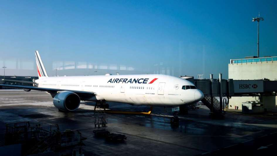 Air France: reprimen con gas irritante a empleados furiosos