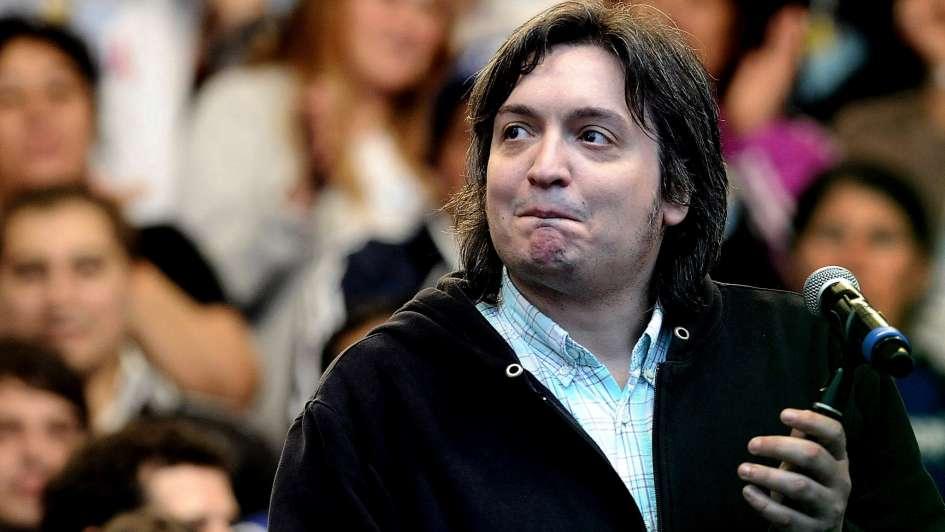 Máximo Kirchner marchó en apoyo a Moyano con nuevo look