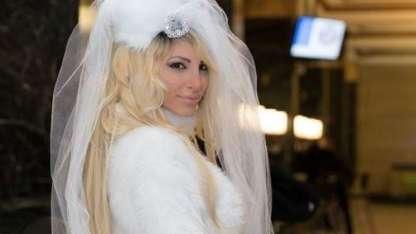 Vicky Xipolitakis mostró la ropa que usó en la noche de bodas y prendió fuego Instagram