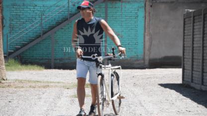 Carlos Vives fue desde el hotel al Parque en bici a ensayar.