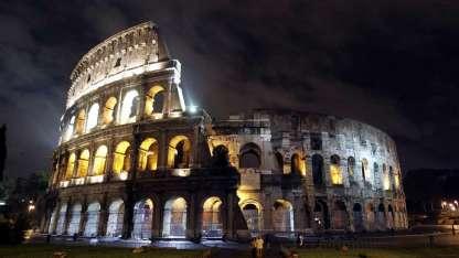 Los visitantes del Coliseo dejan cada año millones de euros a las arcas de Roma.