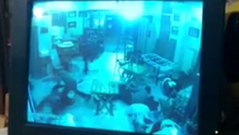 Un penitenciario fue baleado seis veces durante un asalto en Maipú
