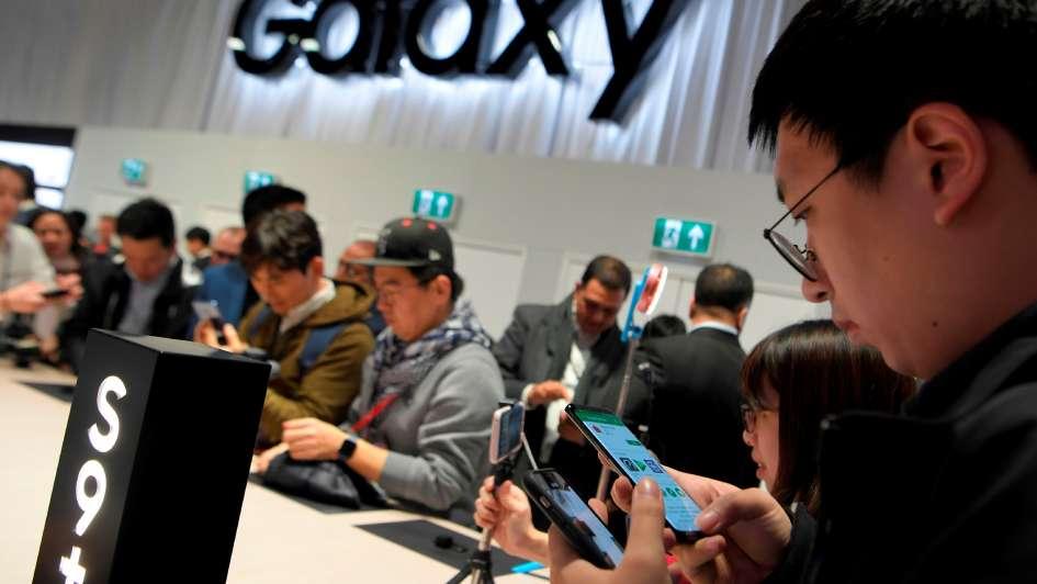 Samsung presentó el Galaxy S9 y le compite al iPhone X con sus mismas armas