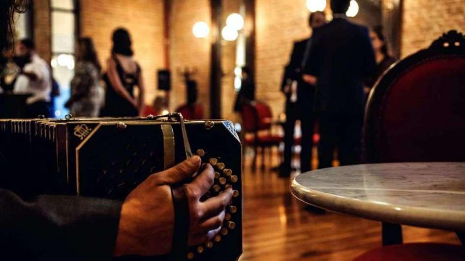 Resultado de imagen para tango y vino bodegas caro