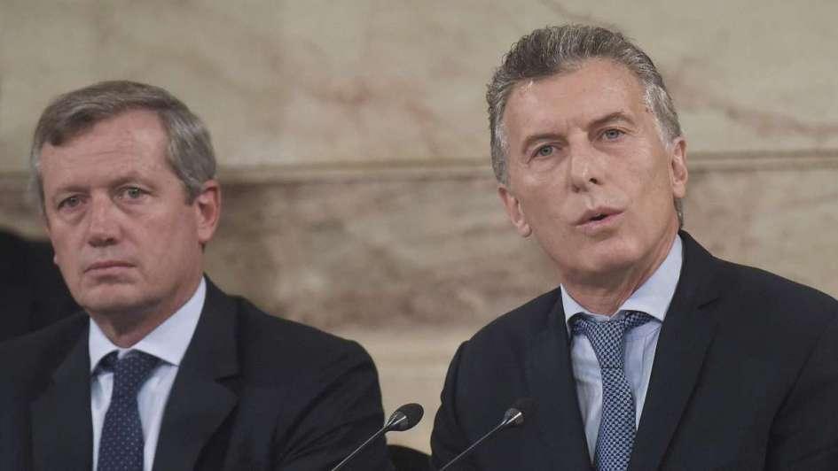 Desviaciones  de la política - Por Julio Bárbaro