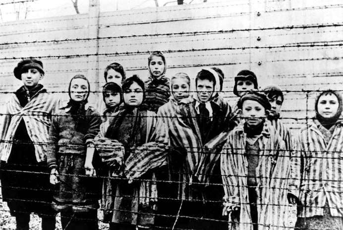 Una acción legal inédita — Ley Holocausto