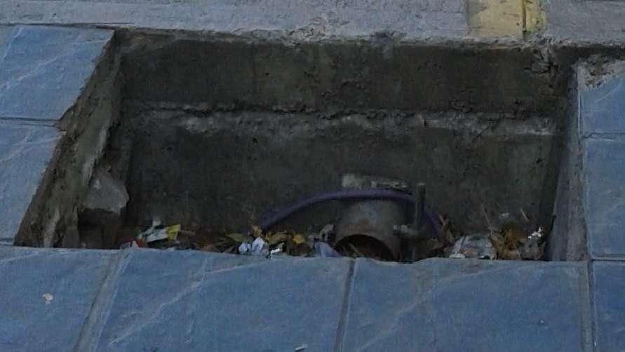 Vecinos piden que tapen un peligroso