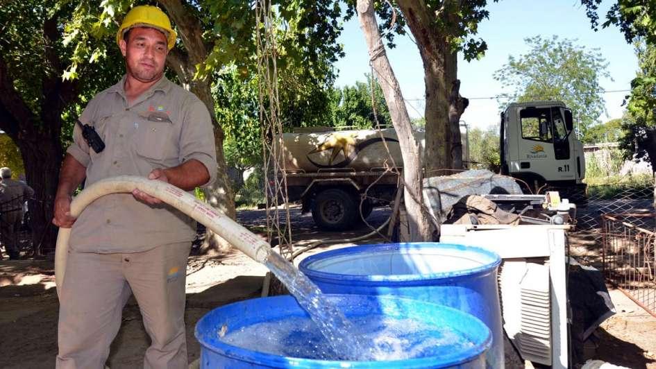 El trastorno de vivir sin agua: hay 500 familias afectadas en Rivadavia