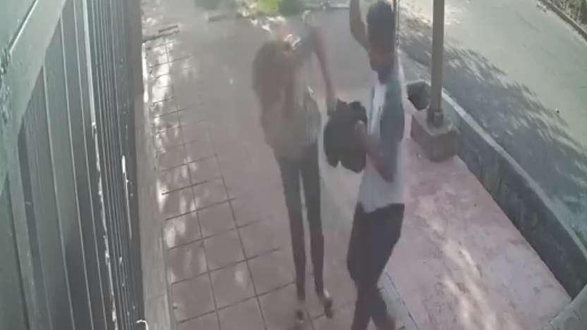 Golpeó a una mujer para robarle en Guaymallén y quedó grabado