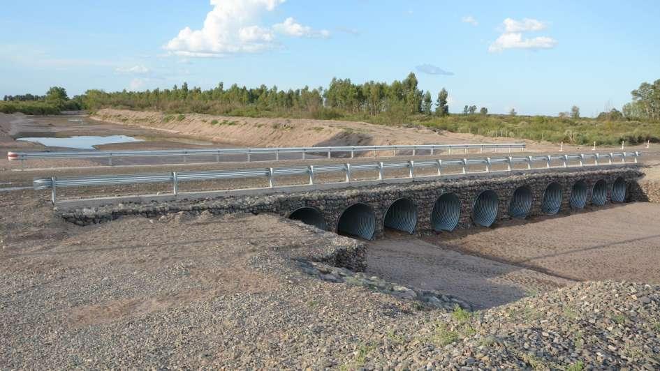 Un puente sobre el río Mendoza para vincular a los vecinos de Gustavo André