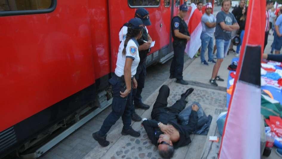 Una dupla del metrotranvía golpeó a un hombre en Ciudad