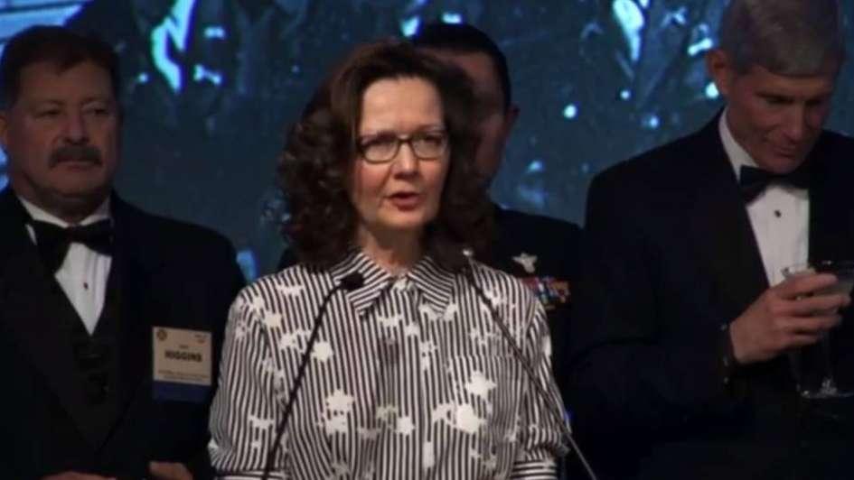 Trump movió fichas y una espía dirigirá la temible CIA