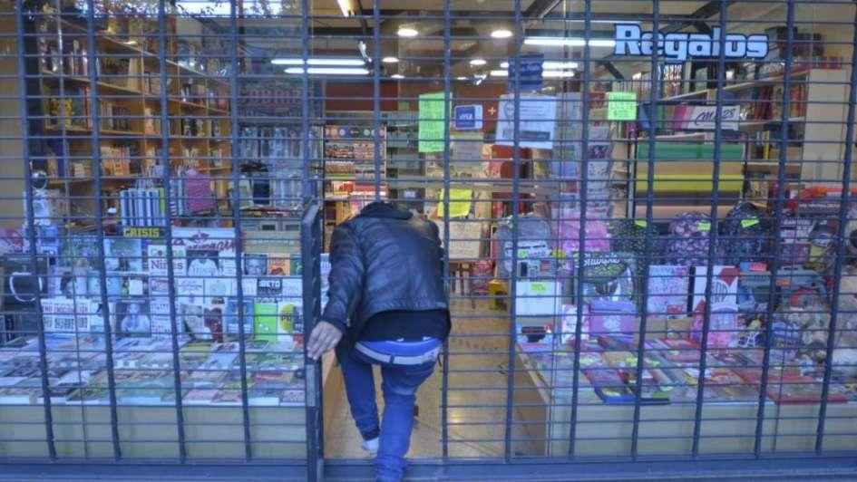 Robaron una librería y se llevaron lapiceras importadas