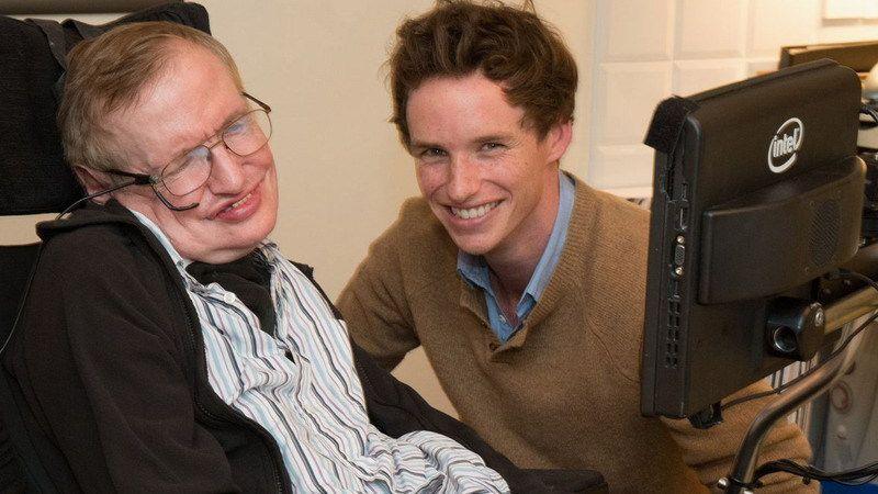 Emotivo mensaje del actor que encarnó a Stephen Hawking en el cine