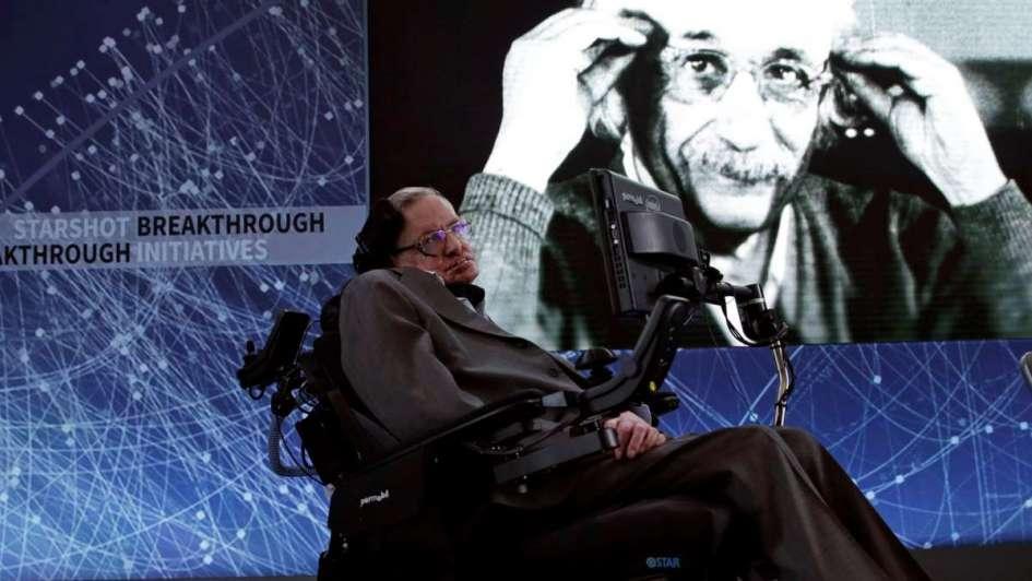 StephenHawking, el hombre sin Dios que se atrevió a corregir a Einstein