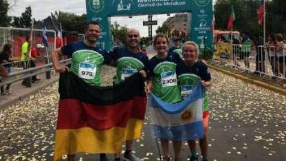 Wolfgang Zimmermann, Fabián Cremaschi, Annika Sabel y Alena Imgrud, en la carrera local.