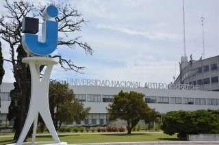 Universidad Nacional Arturo Jauretche donde daba clases la mujer.